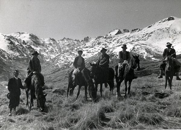 El caballo era el transporte para los primeros turistas que llegaban a Gredos.