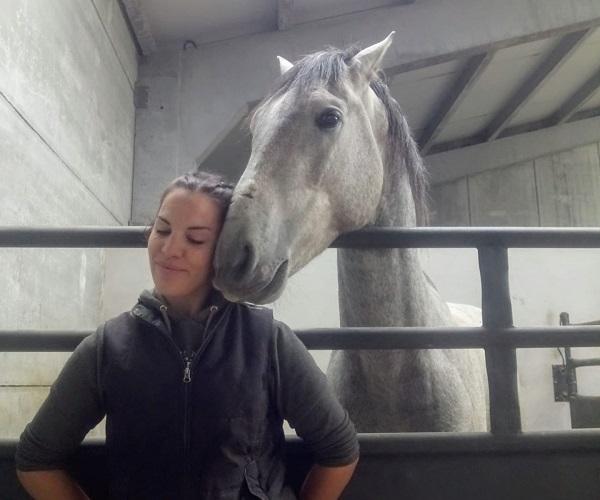 Irene Lorenzo llegó a Gredos de las bridas de los caballos.