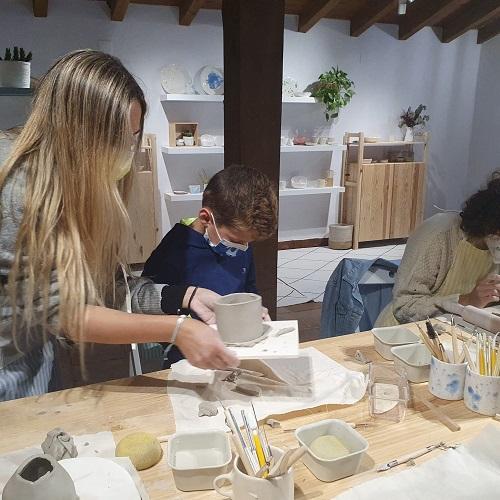 Taller de cerámica (www.kuus.es) en Navarredonda de Gredos.Ávila.