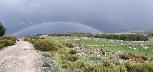 Arco Iris en Gredos en los días de cuarentena por el Coronavirus.