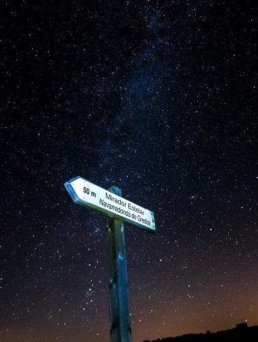 Mirador estelar de Navarredonda de Gredos, Ávila. Fotografía: Fernando Apausa.