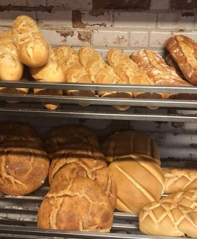 Pan de El Horno Viejo, en Hoyos del Espino. Ávila. Comprar en Gredos.