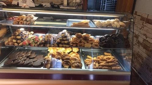 Pastas, rosquillas, etc de El Horno Viejo, en Hoyos del Espino. Ávila. Comprar en Gredos.