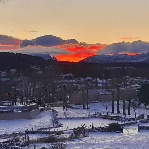 Navarredonda de Gredos, Ávila. Paisaje nevado desde La Casa del Altozano. Autora de la foto: Eva Veneros.