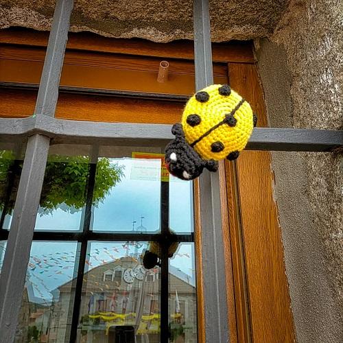 Decoración inspirada en el piorno en flor en Gredos.